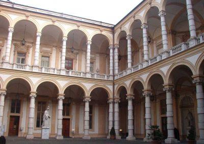 Palazzo_universita_cortile_interno_Torino